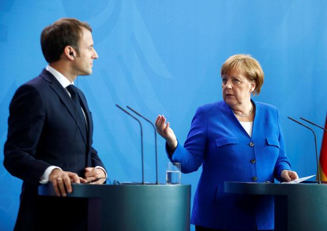 Emmanuel Macron et Angela Merkel à Berlin