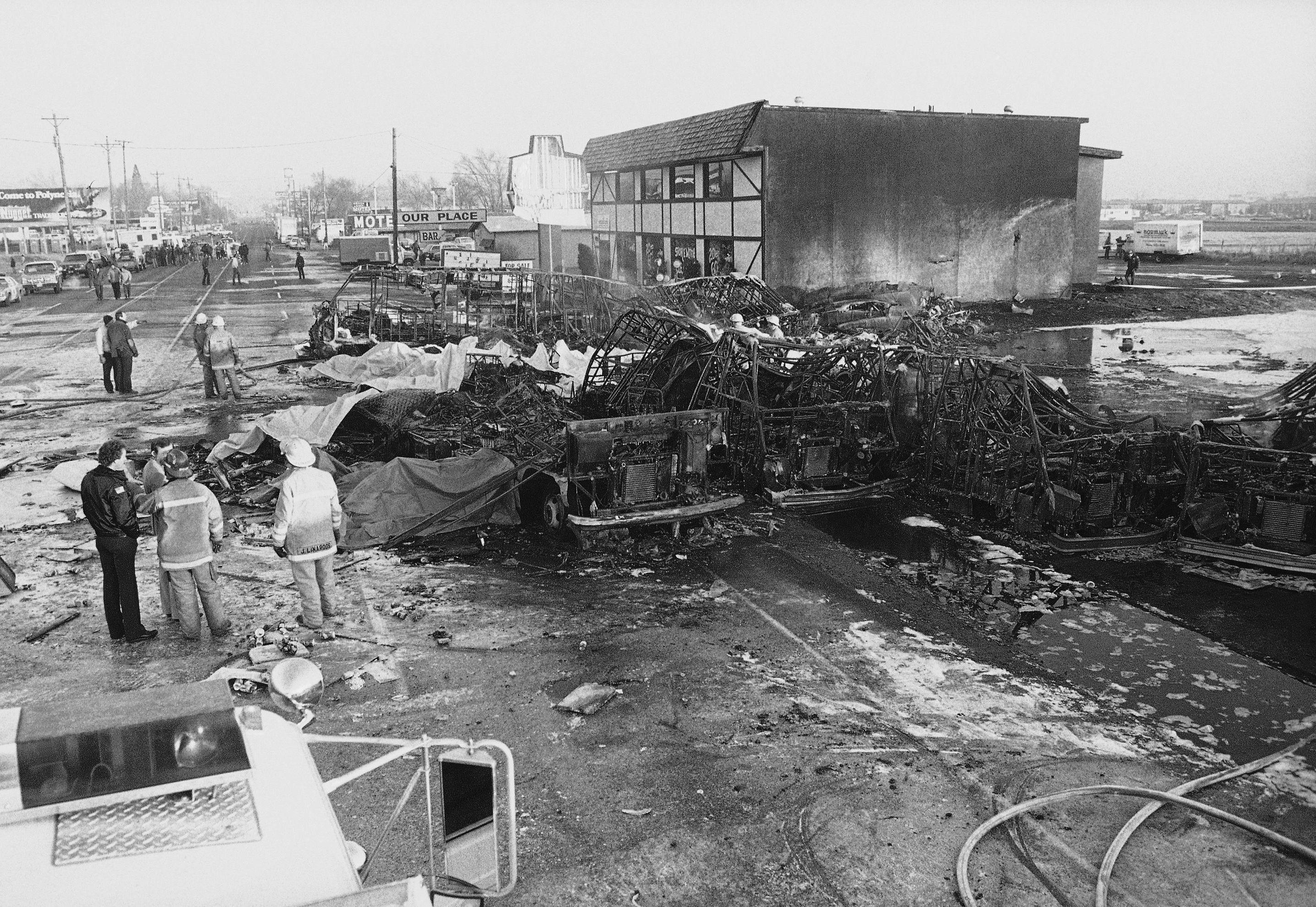 Les débris de l'avion de Galaxy Airlines qui s'est écrasé le 21 janvier 1985 à Reno