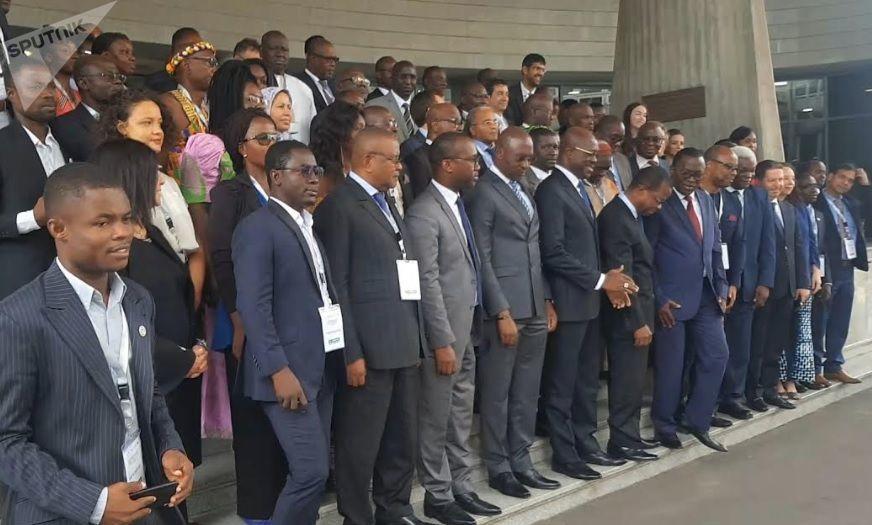 Des représentants de collectivités territoriales et de partenaires financiers au dialogue structuré d'Abidjan