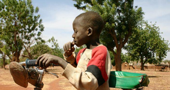 Un enfant au Burkina Faso