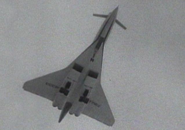 La création du supersonique russe Tupolev-144 en images d'archives