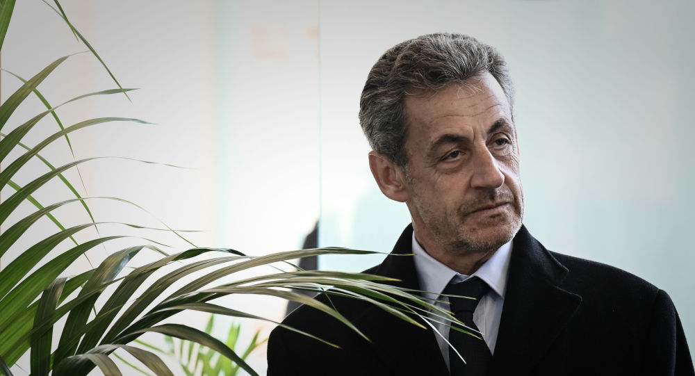 «L'amour» particulier de Sarkozy pour les billets de 500 euros en pleine affaire Kadhafi