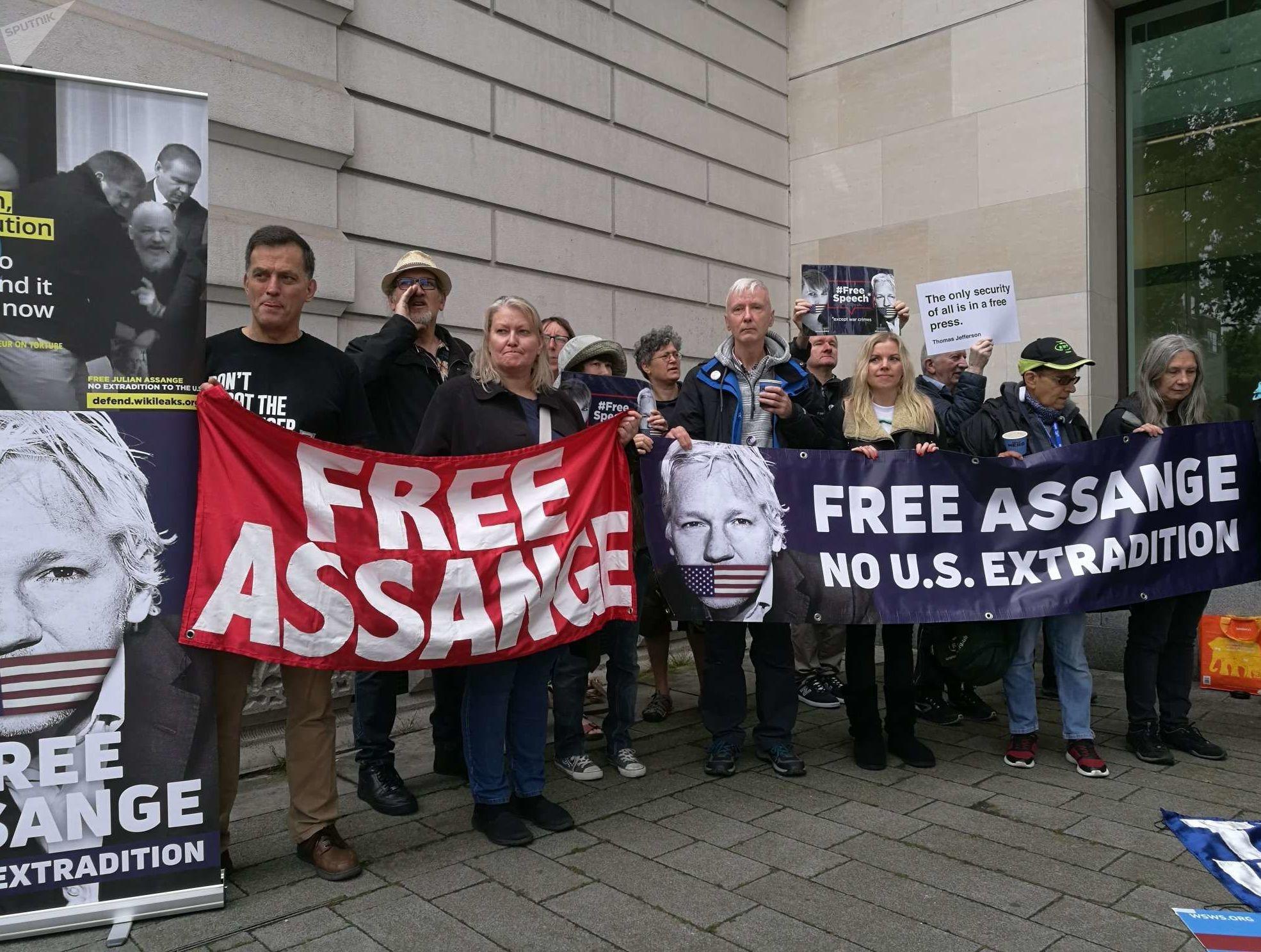 Протест против экстрадиции Ассанжа 14.06.2019