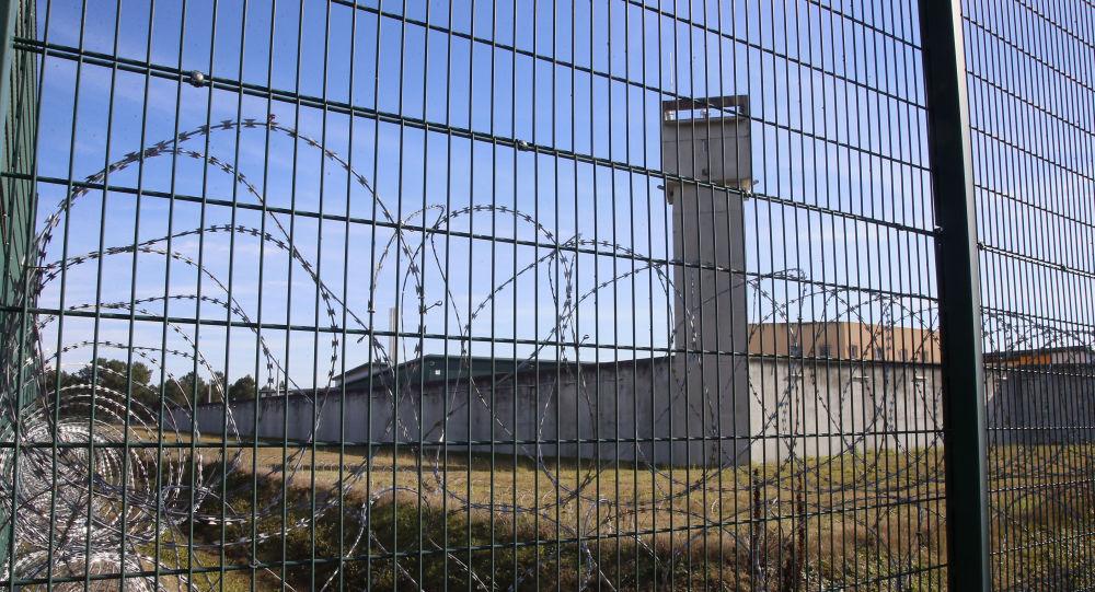 Un homme passe voir son frère en prison à Nîmes et n'en sort plus