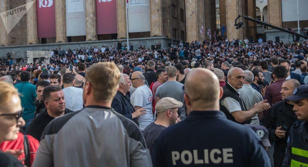 Des milliers de manifestants contre la présence d'un député russe — Géorgie