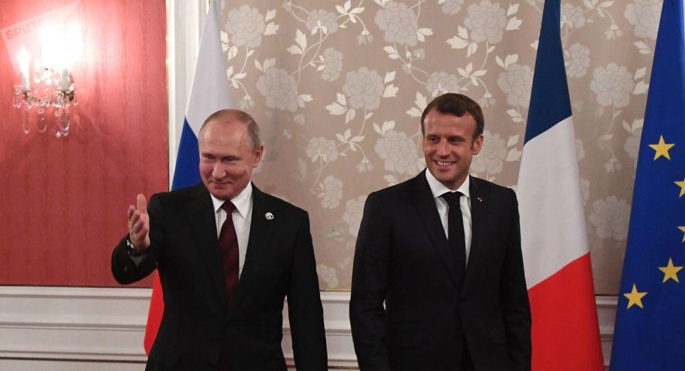 Macron a officiellement répondu à l'invitation de Poutine en Russie