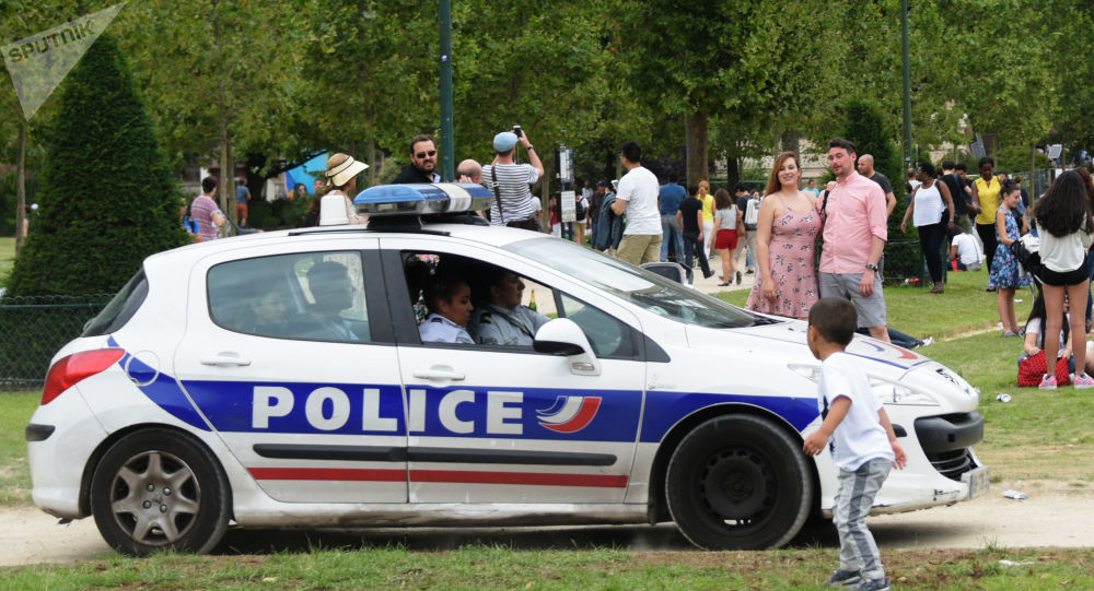 Une voiture de police en France. Image d'illustration