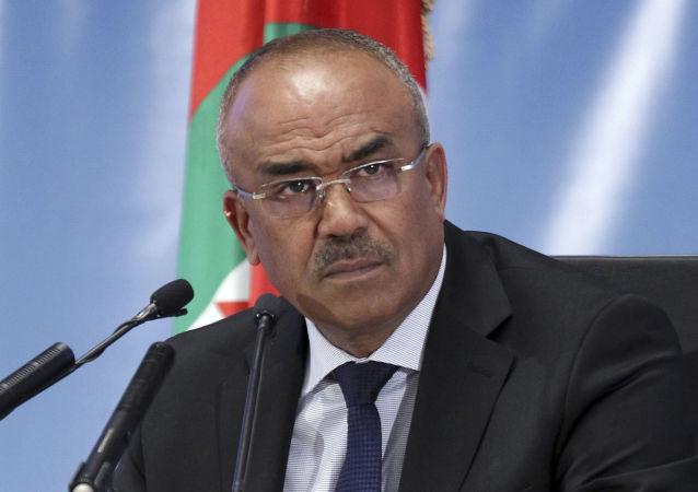 Le Premier ministre algérien Noureddine Bedoui