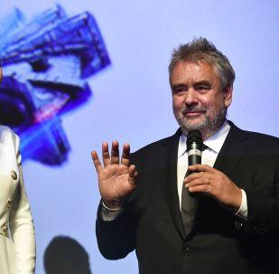 Luc Besson et l'actrice Sasha Luss