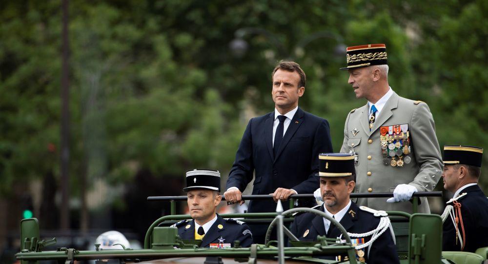 Macron recherche l'autonomie dans tous les domaines militaires, selon le Spiegel