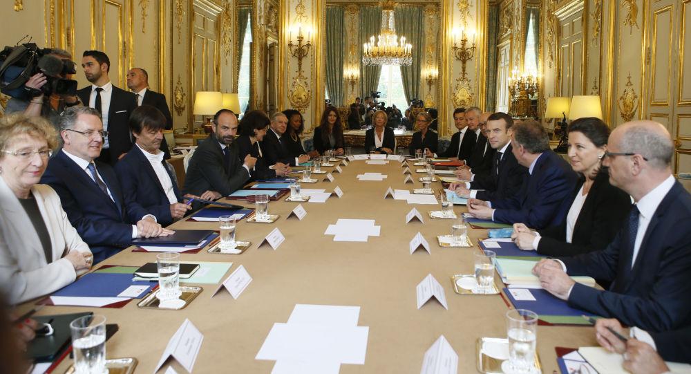 Le quinquennat Macron explose le record de départs de ministres sous la Ve République