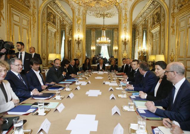 Emmanuel Macron pendant une rencontre avec le gouvernement en mai 2017