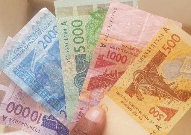 Des billets de francs CFA de la zone UEMOA