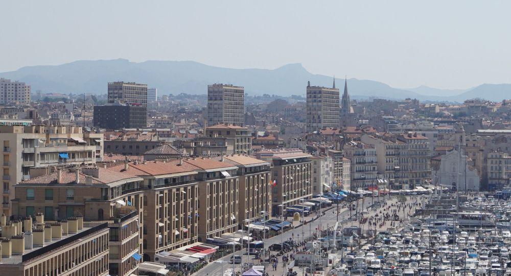 Une rixe entre adolescents fait un blessé grave dans un lycée de Marseille