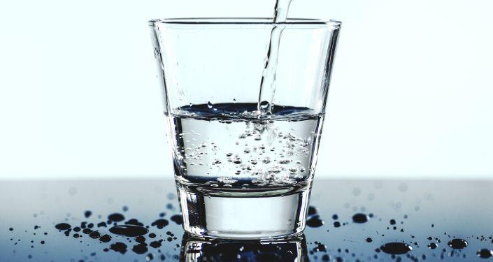 Verre d'eau (image d'illustration)
