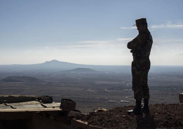 Un militaire syrien dans le gouvernorat de Quneitra