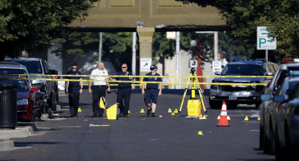 Sur les lieux de la fusillade de Dayton