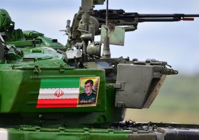 Le T-72B3 iranien participant au biathlon des chars de combat aux Jeux militaires ArMI 2019