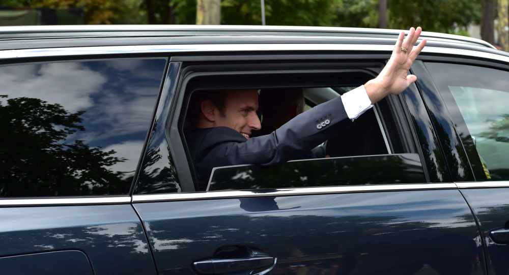 Emmanuel Macron arrive à la parade du 14 juillet 2017 à Paris (archive photo)