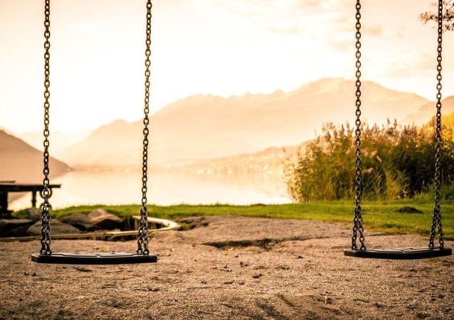 Une aire de jeux pour enfants (image d'illustration)