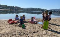 Oxfam se demande si les chefs d'État sont venus pour lutter contre les inégalités ou pour profiter de la plage