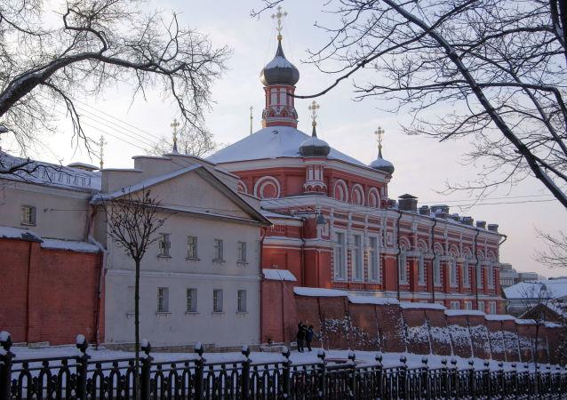 Couvent de la Nativité de la Vierge (Rojdestvenski) à Moscou