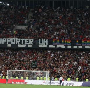 De nouveaux chants homophobes perturbent un match Nice-Marseille