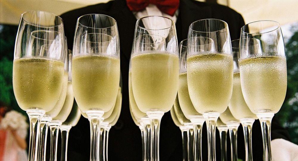 Des flûtes de champagne