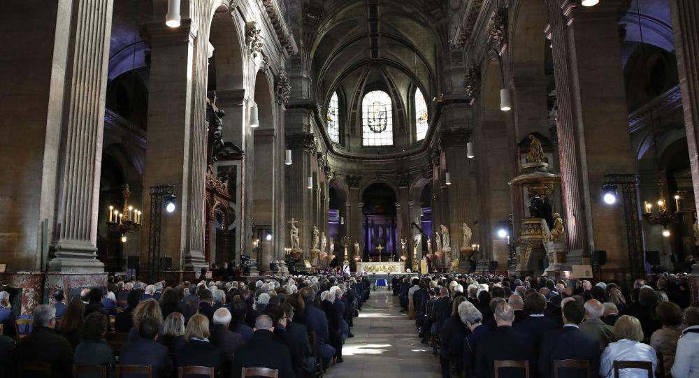 la cérémonie célébrée en l'église Saint-Sulpice dans le cadre de l'hommage national à Jacques Chirac