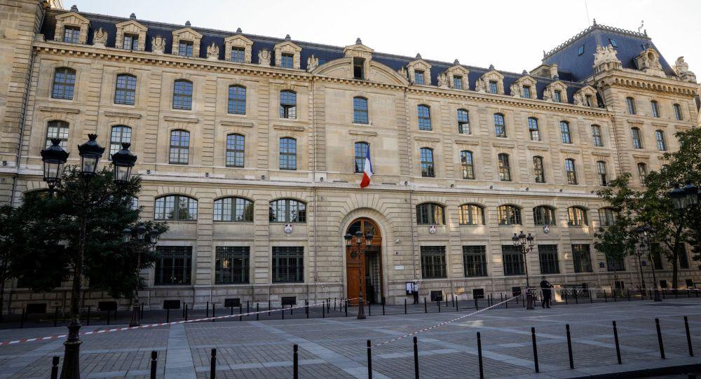 France Télévisions convoque un journaliste qui avait évoqué la piste d'un attentat à la préfecture de Paris
