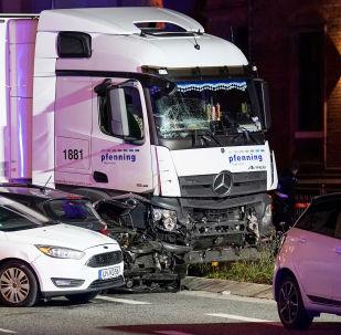 Le camion qui a percuté plusieurs voitures à Limburg, en Allemagne le 7 octobre 2019
