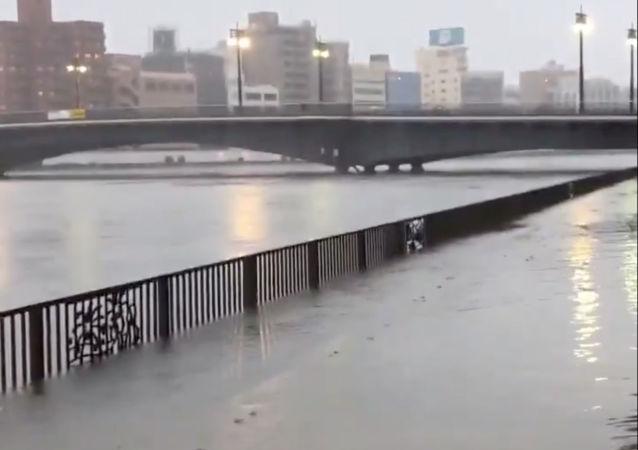 Le typhon Hagibis frappe le Japon