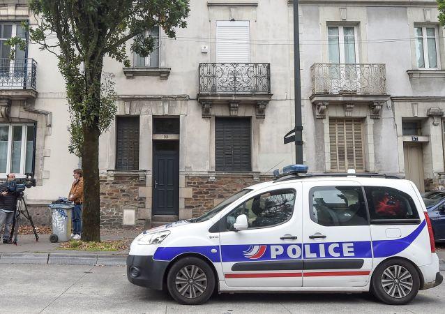 Une voiture de police à Nantes