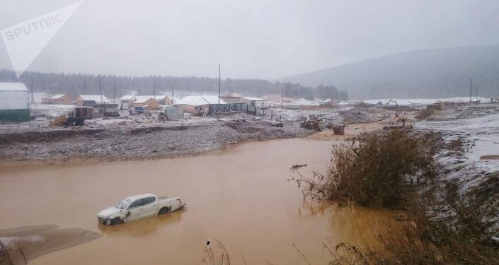 Rupture d'un barrage en Sibérie