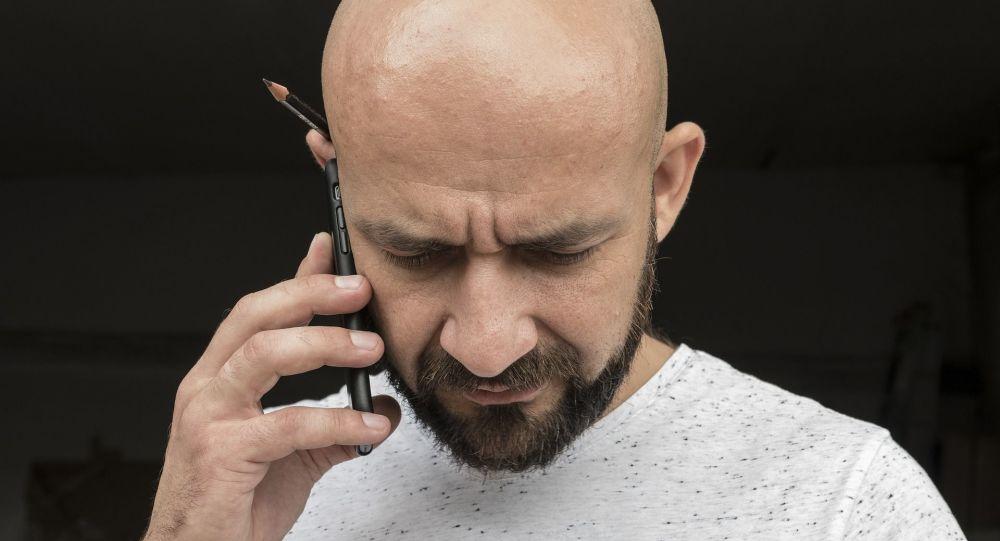 Un homme chauve (image d'illustration)