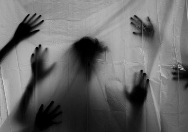 une silhouette des mains (image d'illustration)