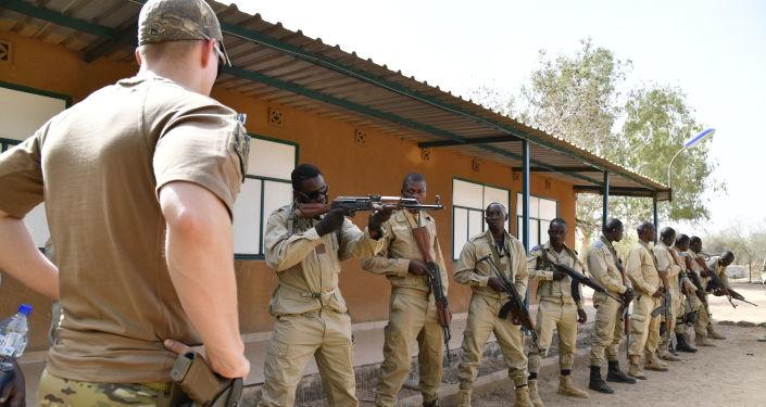 Entraînement militaire au Burkina Faso