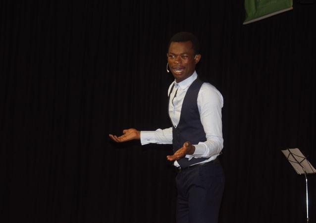 Ulrich Takam, jeune prodige de l'humour, star de la websérie au Cameroun