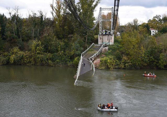 Effondrement d'un pont à Mirepoix-sur-Tarn