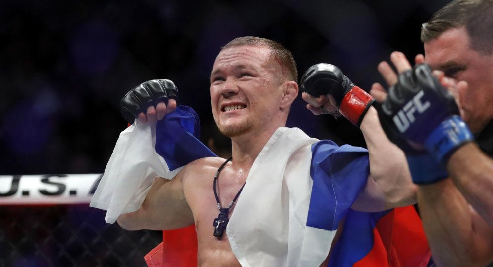 Le combattant Piotr Yan devient le second champion russe de l'UFC en écrasant José Aldo - vidéo
