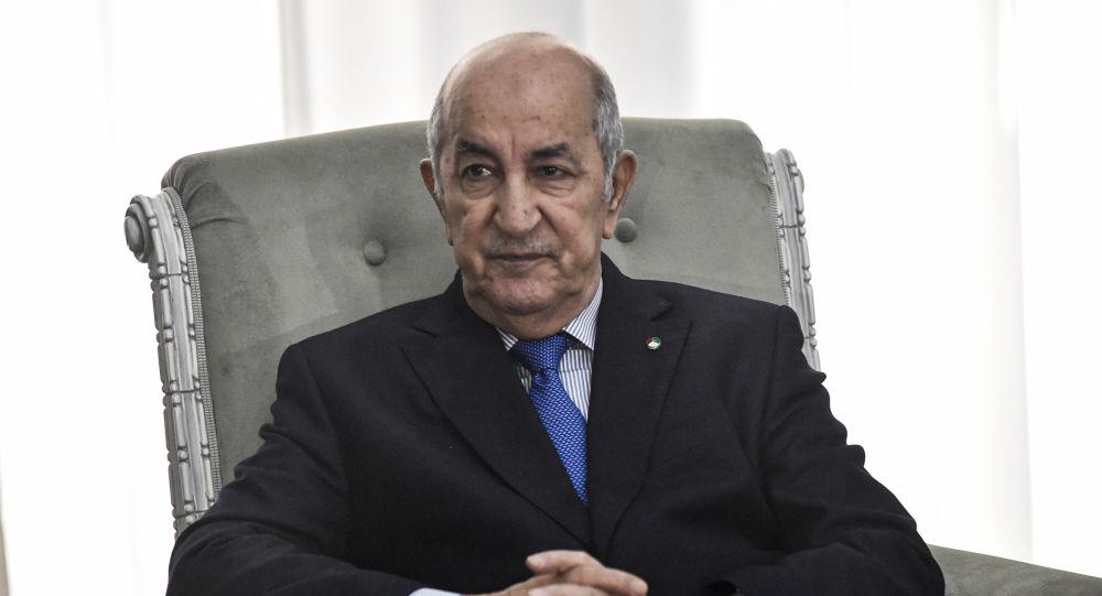 Algérie: Tebboune endosse sa casquette militaire pour peser sur la nouvelle constitution