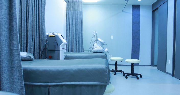 Les hôpitaux belges reçoivent des robots tueurs de Covid-19 – vidéo - Sputnik France