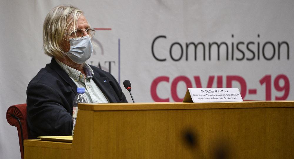 «Le Pr Raoult est responsable de milliers de décès évitables dans les pays francophones», selon un microbiologiste belge