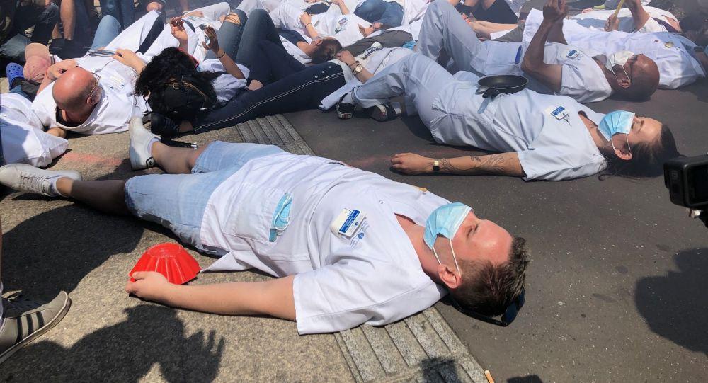 Manifs contre l'obligation vaccinale: «nous ne les avons pas attendus pour défendre l'hôpital public»– vidéo