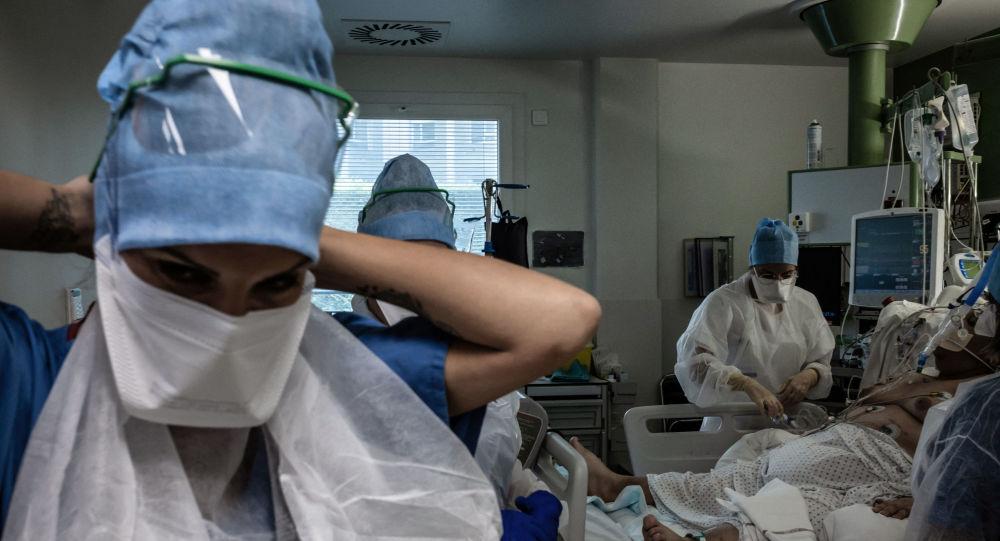 Obligation vaccinale, départ des soignants: un système hospitalier «au point de rupture»?