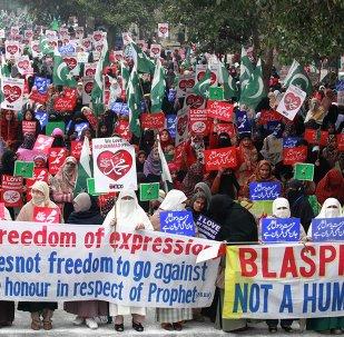 Manifestants pakistanais dénonçant Charlie Hebdo
