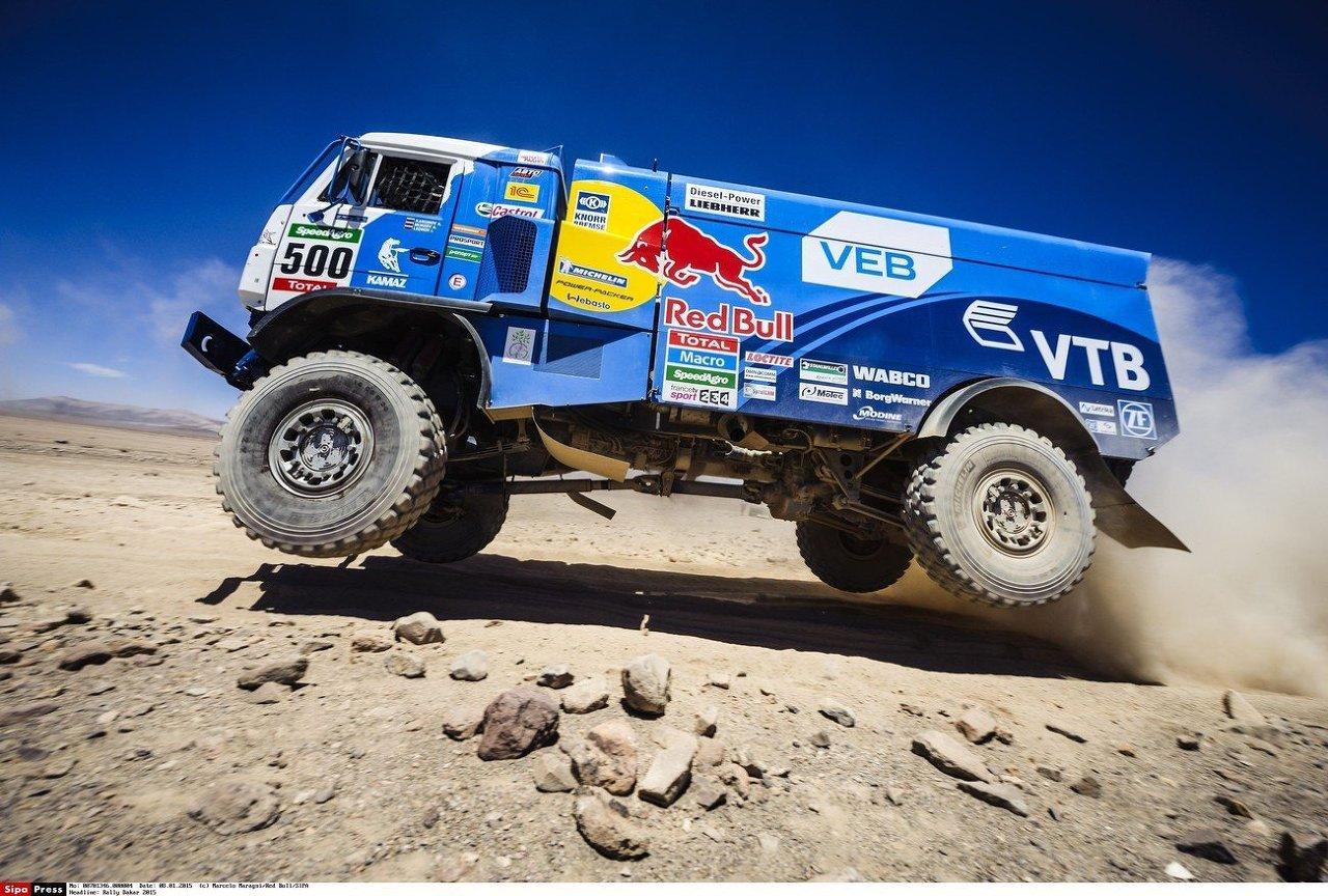 Les camions russes Kamaz au rallye Dakar 2015