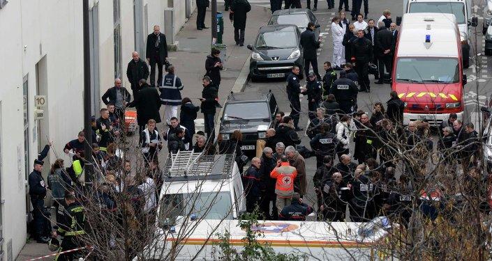 Полиция возле редакции газеты Charlie Hebdo
