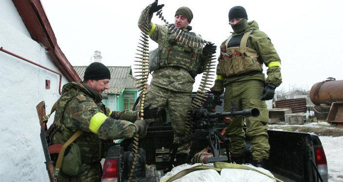 Soldats ukrainiens dans l'est de Ukraine