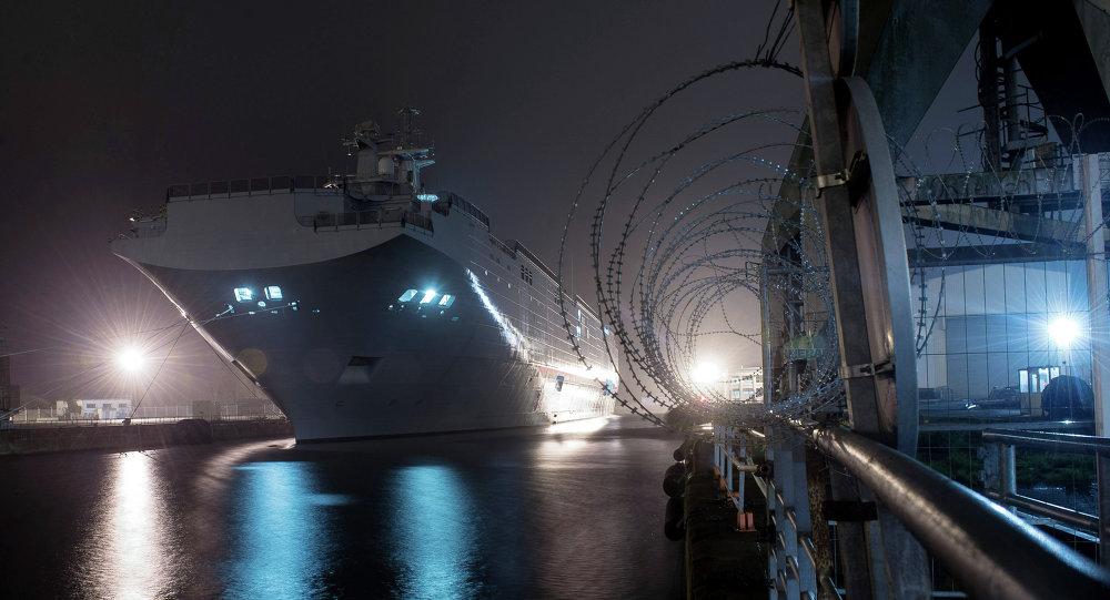 Un hélicoptère s'écrase sur un navire de la marine nationale — Dunkerque